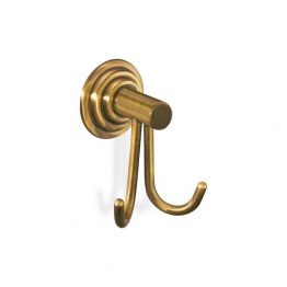 Άγκιστρο διπλό Κωδικός:   10318  Διαστάσεις:   W70 x D70 x H90 (mm)  Πρώτη ύλη:   Ορείχαλκος  Φινιρίσμα:   Bronze  Τεχνικές προδιαγραφές:     Οδηγίες τοποθέτησης: